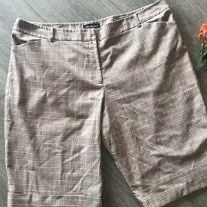 Lane Bryant plaid shorts Bermuda brown size 24